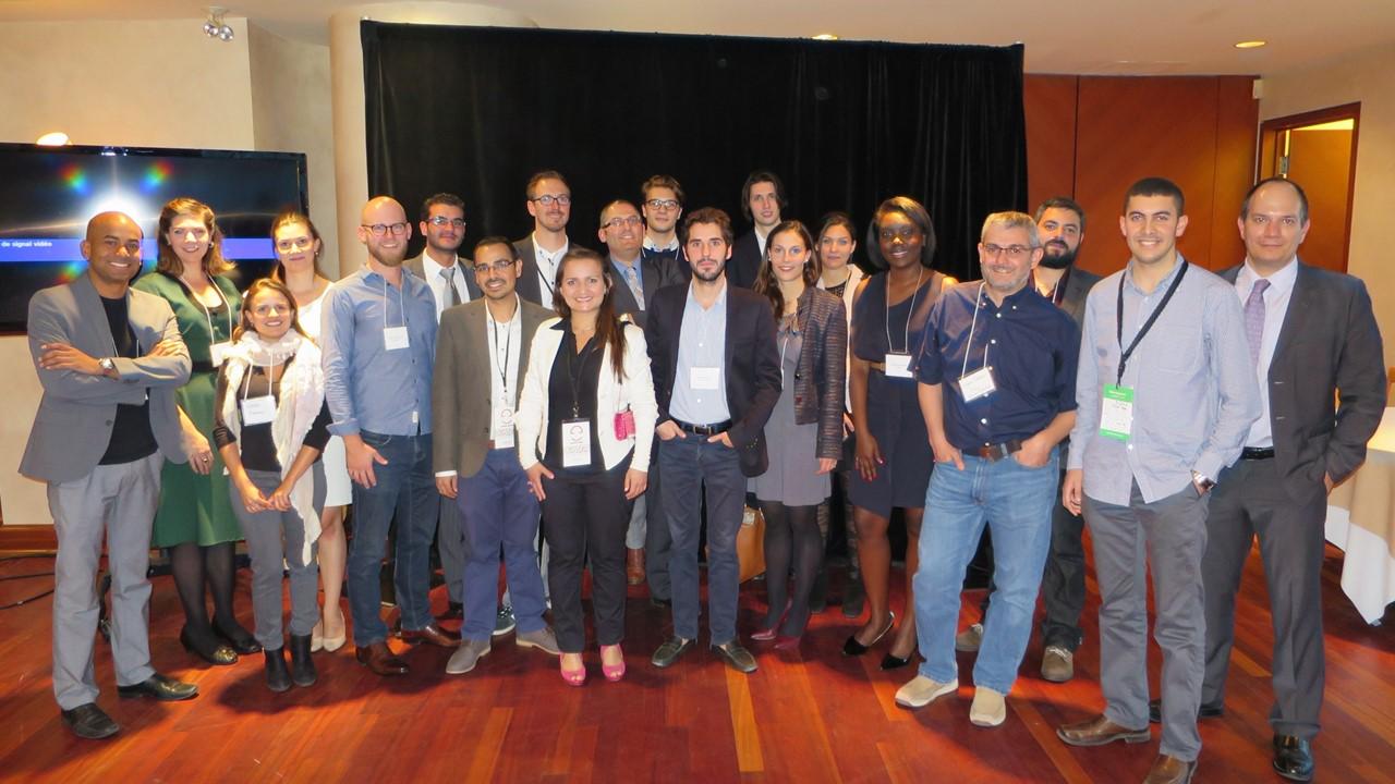 Les entrepreneurs de la cohorte 2015 de l'Accélérateur Banque Nationale - HEC Montréal, accompagnés de M.Luis Cisneros, à gauche.